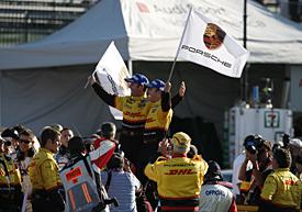 Очередная победа Дюма и Бернхарда на баркетте Порше
