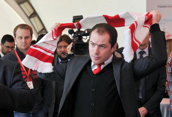 Роман Асхабадзе: Озбилиз вернется в строй через 8-9 месяцев