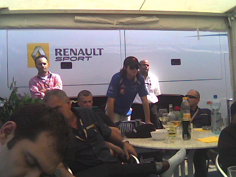 Мове и Алешин смотрят трансляцию из Бахрейна
