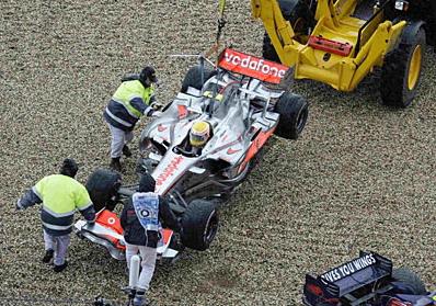 Мотор работает, пилот на месте, трактористы Нюрбурга возвращаются!