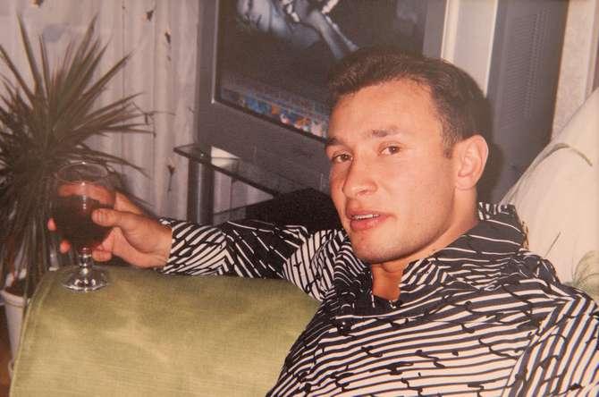 Константин Генич с бокалом